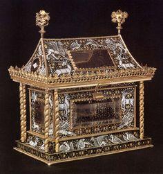 Enamel casket, c. 1400-10. Silver and gilt, 34 x 30 x 18 cm. Cathedral Treasury, Regensburg