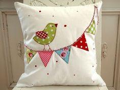 Kissen pillow-good idea for dress appliqué - Kissenbezug Ideen Cute Pillows, Diy Pillows, Decorative Pillows, Throw Pillows, Pillow Ideas, Cushion Ideas, Bolster Pillow, Neck Pillow, Sewing Appliques
