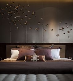 If you are looking for inspiration on how to decorate a stylishly minimalist bedroom, prepare to be overwhelmed with fantastic ideas. I continue spoiling you with minimalist eye-candies, and today … Bedroom Furniture, Home Furniture, Bedroom Decor, Bedroom Ideas, Bedroom Wall, Furniture Design, Master Bedroom Interior, Bedroom Rustic, Wall Decor