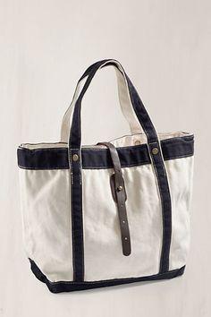 #landsendcanvas Great bag to take to the beach!