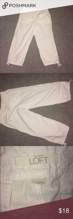 Ann Taylor white Capris size 4 Ann Taylor The Loft White Capris size 4. Smoke free home and dog mom. LOFT Pants Capris