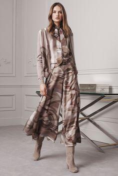 http://www.vogue.com/fashion-shows/pre-fall-2016/ralph-lauren/slideshow/collection