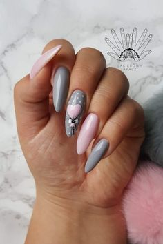 Nail art Christmas - the festive spirit on the nails. Over 70 creative ideas and tutorials - My Nails Holiday Nails, Christmas Nails, Love Nails, My Nails, Nail Art Noel, Valentine Nail Art, Perfect Nails, Stiletto Nails, Trendy Nails