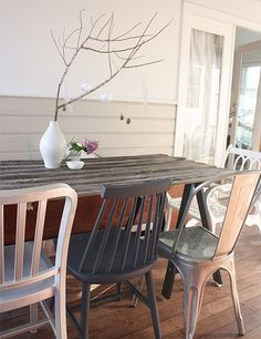 dining table made out of old fence palings and ikea trestles. by milagros Patio Table, Table And Chairs, Dining Chairs, Wood Table, Dining Rooms, Living Room Furniture, Living Room Decor, Living Area, Trestle Dining Tables
