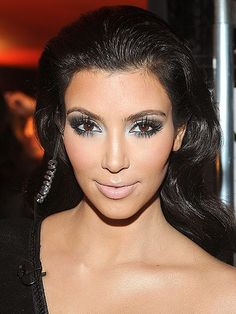 Loving Kim k makeup style!