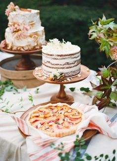 Naked cake | Anna Routh and Graham Terhune Photography | see more on: http://burnettsboards.com/2014/11/southern-weddings-sneak-peek/