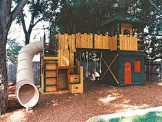 Barbara Butler-Extraordinary Play Structures for Kids-Atherton Castle: Elongated Tube Slide