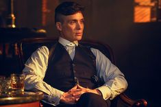 21 Defining Thomas Shelby Looks