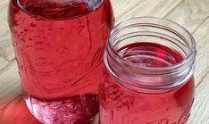 Amestecul din apă fierbinte și petale de trandafir poate trata cataracta – Secretele.com Mason Jars, Health, Food, Health Care, Essen, Mason Jar, Meals, Yemek, Eten