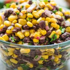 Make this Easy Black Bean and Corn Salsa in just 10 minutes! It's fresh and colorful, perfect for parties, so easy to make, and very addictive! Potluck Recipes, Appetizer Recipes, Salad Recipes, Cooking Recipes, Healthy Recipes, Black Bean Corn Salsa, Bean Salsa, Roasted Zucchini Salad, Pico De Gallo