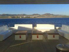 Paseo en barco en Los Cabos, Tour en Yate en Cabo san Lucas, Renta de yates en Los Cabos, Cabo San Lucas sailing ocean.