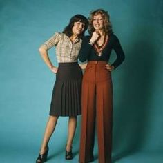 Two Retro Fashion Models, Business, Working Women Photographic Print: love the high wasted pants Office Fashion, Business Fashion, Work Fashion, Retro Fashion, Fashion Models, High Fashion, Vintage Fashion, Fashion Looks, Business Attire