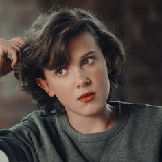 Millie bobby brown, stranger things, and eleven image Shot Hair Styles, Curly Hair Styles, Cut My Hair, New Hair, 90s Grunge Hair, Androgynous Hair, Bobby Brown Stranger Things, Enola Holmes, Millie Bobby Brown