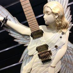 Santa Lucia, Metalocalypse, Music Aesthetic, Aesthetic Videos, Aesthetic Vintage, My Vibe, Cool Guitar, Music Guitar, Looks Cool