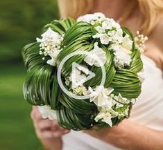 Bride white and green grass- View Wedding 2018 - Summer Wedding Decorations, Summer Wedding Bouquets, White Wedding Flowers, Bride Bouquets, Bridal Flowers, Floral Bouquets, Diy Flowers, Floral Wedding, Deco Floral