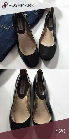 Steve Madden black ballet flats ✨EUC  ✨measurements upon request  ✨no trades  ✨make me an offer I can not refuse  ✨if you have any other questions let me know   Always thank you for shopping and don't forget to save 20% by bundling Steve Madden Shoes Flats & Loafers