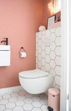 Toilet Room Decor, Cute Diy Room Decor, Small Toilet Room, Bad Inspiration, Bathroom Inspiration, Kitchen Interior Diy, Vanity Room, Downstairs Toilet, Toilet Design