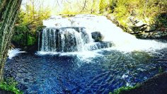 Get outside and experience Shohola Falls in the Poconos! #PoconoMtns
