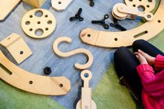This large-scale building kit helps kids learn about engineering, architecture, and design through play : TreeHugger