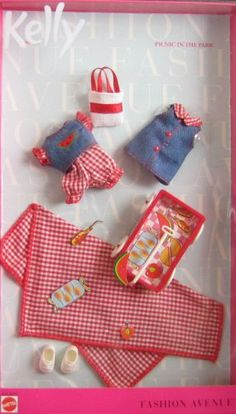 Amazon.com: Barbie KELLY Fashion Avenue Clothes PICNIC IN THE PARK (1999): Toys & Games
