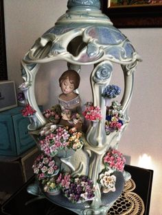Lladro Gazebo in Bloom # 1865 Mint with original box, retired Clay Art Projects, Faberge Eggs, Collectible Figurines, Ceramic Art, Amazing Art, Art Dolls, Stoneware, Creations, Bloom