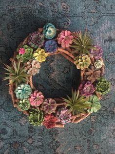 Succulent wreath made with painted pinecones Pine Cone Art, Pine Cone Crafts, Wreath Crafts, Flower Crafts, Pine Cones, Easter Wreaths, Fall Wreaths, Painted Pinecones, Deco Nature