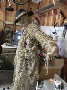 Static: My latest Scarecrow project. - Page 2 Halloween Forum member