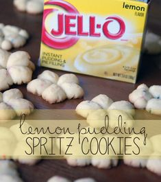 Lemon Pudding Spritz Cookies Quick and easy recipe for lemon spritz cookies using Jell-o instant pudding. This new spin on a holiday favorite is an instant hit. Jello Cookies, Spritz Cookies, Pudding Cookies, Galletas Cookies, Yummy Cookies, Holiday Cookies, Spritz Cookie Press, Thanksgiving Cookies, Pecan Cookies