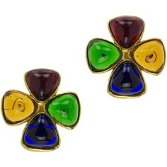 Pre-Owned Chanel Vintage Gripoix Clover Earrings 1980s ($690) ❤ liked on Polyvore featuring jewelry, earrings, gold, 80s earrings, triangle jewelry, multicolor earrings, chanel jewelry and chanel