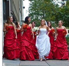 I originally wanted black bridesmaids dresses. this has me re-thinking that idea! bride with red bridesmaids Black Bridesmaid Dresses, Brides And Bridesmaids, Wedding Dresses, Black Bridesmaids, Bridesmaid Bouquets, Wedding Looks, Red Wedding, Wedding Ideas, Wedding Planning