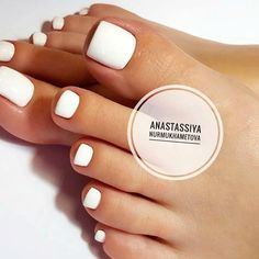 Pure White Toe Nails ❤ Your toe nail colors should always keep up with the season. There is no way we will allow you to stay behind and out of the trend! Nails Amazing Toe Nail Colors To Choose For Next Season White Toe Nail Polish, Toe Nail Color, Toe Nail Art, Nail Polish Colors, Acrylic Toes, Natural Nail Designs, White Toes, Summer Toe Nails, Summer Pedicure Colors
