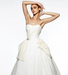 Say Yes to Satin Dresses | blog.kleinfeldbridal.com