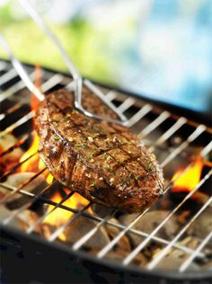 Jamaican Jump Up Beef Steak Marinade - plore some of the flavours of the world's cuisines right in your own back yard with the Jamaican Jump Up marinade!