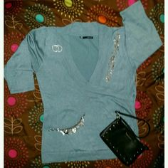 Maurices Top!!! 3/4 length Cross Over Top. Looks great with a Camo underneath and of course accessories!!! Maurices Tops