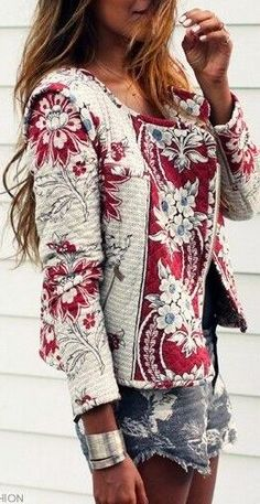 Boho chic style. Red-and-white flower-printed jacket and extremely short denim shorts combination creates an unforgettable look.