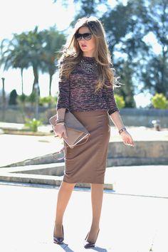 FUR COAT Work Fashion, Cute Fashion, Skirt Fashion, Fashion Outfits, Casual Work Outfits, Work Casual, Cute Outfits, Brown Leather Skirt, Leather Skirts