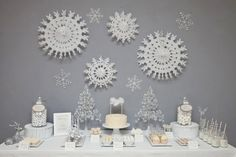 Winter Wonderland Dessert Feature :: London based event planner Aimee Dunne  :: Photography by Kate Darkins.