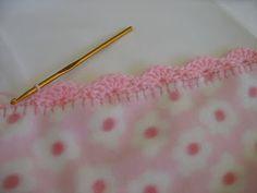 How to Crochet Scalloped Edging ~ Crochet Collection ༺✿ƬⱤღ  http://www.pinterest.com/teretegui/✿༻