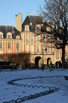 Le Marais - Place des Vosges - Paris