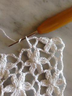 pap resumido considere a Crochet Stitches Free, Crochet Diagram, Crochet Squares, Crochet Chart, Easy Crochet Patterns, Crochet Motif, Crochet Designs, Crochet Doilies, Crochet Flowers