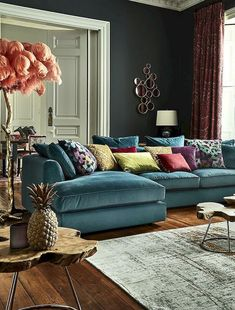 Eclectic Living Room Pillows - Comfy Eclectic Master Bedroom Decor Ideas and Remodel. Corner Sofa Living Room, Blue Living Room Decor, Colourful Living Room, Eclectic Living Room, Living Room Modern, Living Room Sofa, Living Room Designs, Bedroom Decor, Master Bedroom