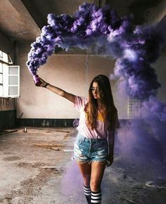 New Photography Ideas Portrait Woman Senior Pics Ideas Smoke Bomb Photography, Tumblr Photography, Creative Photography, Portrait Photography, Photography Office, Photography Ideas, Rauch Fotografie, Shotting Photo, Story Instagram