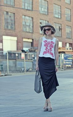 embroidered top+maxi skirt+polka dot wedges+hat