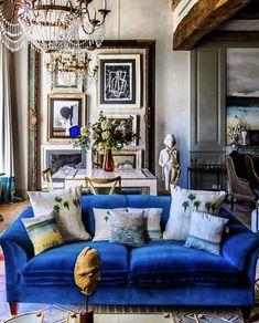 Velvet Furniture, Living Room Color Schemes, New Living Room, Best Interior Design, Cultura Pop, Room Colors, Decoration, Luxury Homes, Family Room