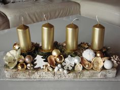 100 DIY Christmas Centerpieces for Tables and decoration ideas - Ethinify Elegant Christmas Centerpieces, Christmas Candle Decorations, Christmas Candle Holders, Christmas Candles, Rustic Christmas, Candle Holder Decor, Christmas Crafts, Christmas Advent Wreath, Small Christmas Trees