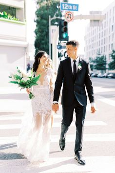 A Modern, Minimalist Wedding at HNYPT in Los Angeles, California Bridal Gowns, Wedding Gowns, Modern Minimalist Wedding, Long Sleeve Wedding, Lace Sleeves, White Flowers, Real Weddings, Wedding Ceremony, Wedding Hairstyles