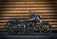 2015 VULCAN® 900 CUSTOM Cruisers Motorcycle by Kawasaki