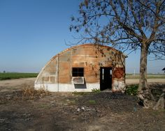 A abandoned Quonset Hut farm building, near Pixely, California. DSMc.2013
