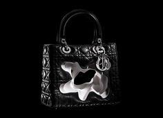 Exposição itinerante sobre a bolsa Lady Dior ganha obras brasileiras e chega a São Paulo em fevereiro   Chic - Gloria Kalil: Moda, Beleza, Cultura e Comportamento
