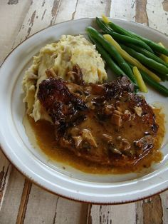Just Cooking: Slow-Cooker Pork Chops with Mushroom Gravy